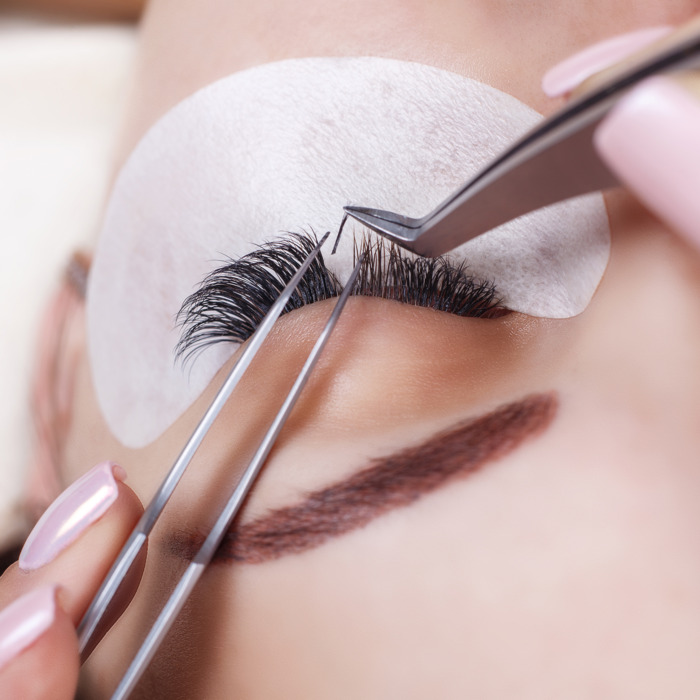eyelash-extensions-lashes-training